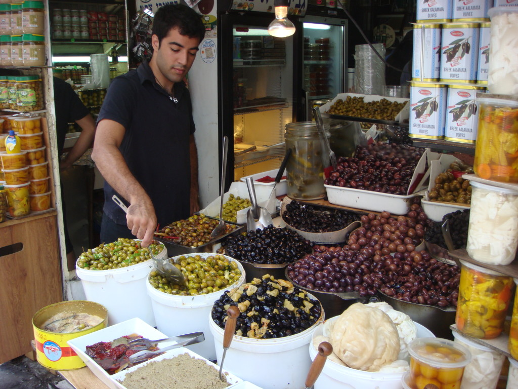 Levinsky_market_in_Tel_Aviv