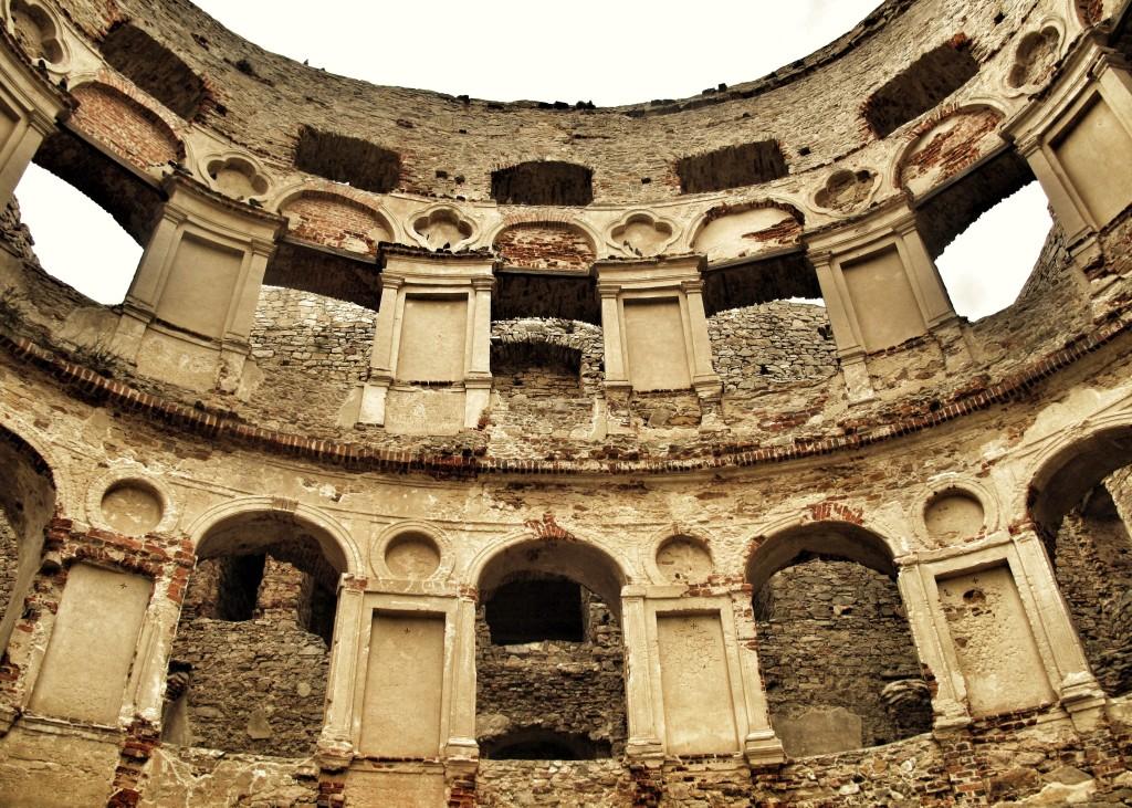 Krzyżtopór jak Koloseum