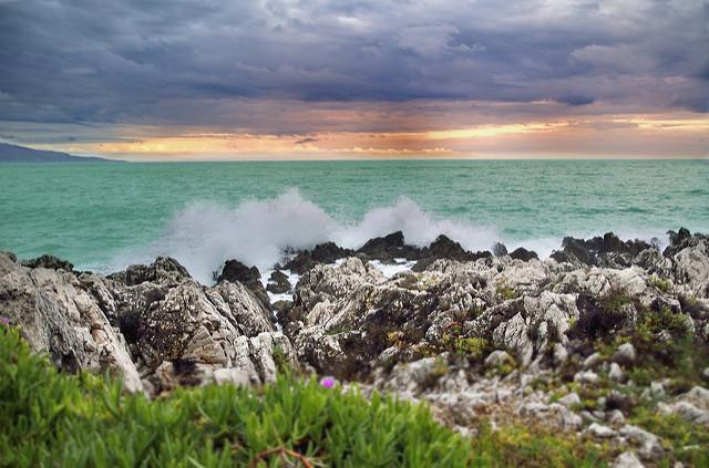 Turkusowa woda wRoquebrune-Cap-Martin. Fot.: Christophe Galinier / Flickr