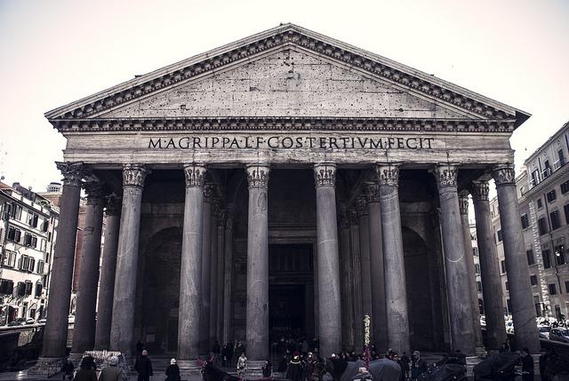 Panteon widziany zPiazza Rotonda. Fot. Chrisobayda/Flickr