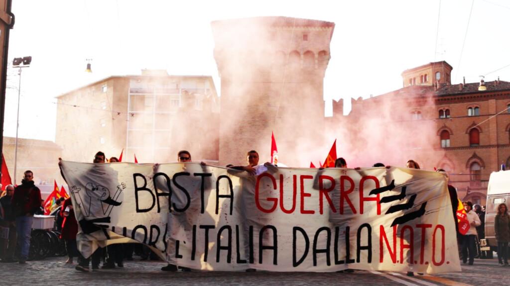 Poglądy polityczne młodych Włochów bywają dla nas niezrozumiałe. Skąd się biorą, co je kształtuje?