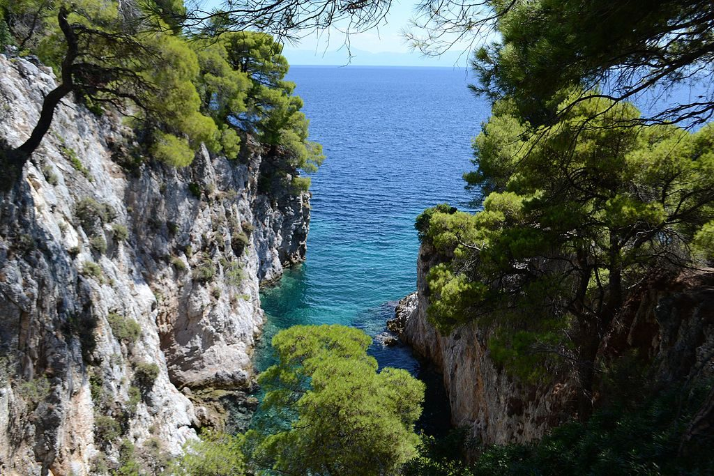 Piękne widoki na Skopelos, fot. Elenortheo / Wikipedia Commons CC BY-SA 4.0