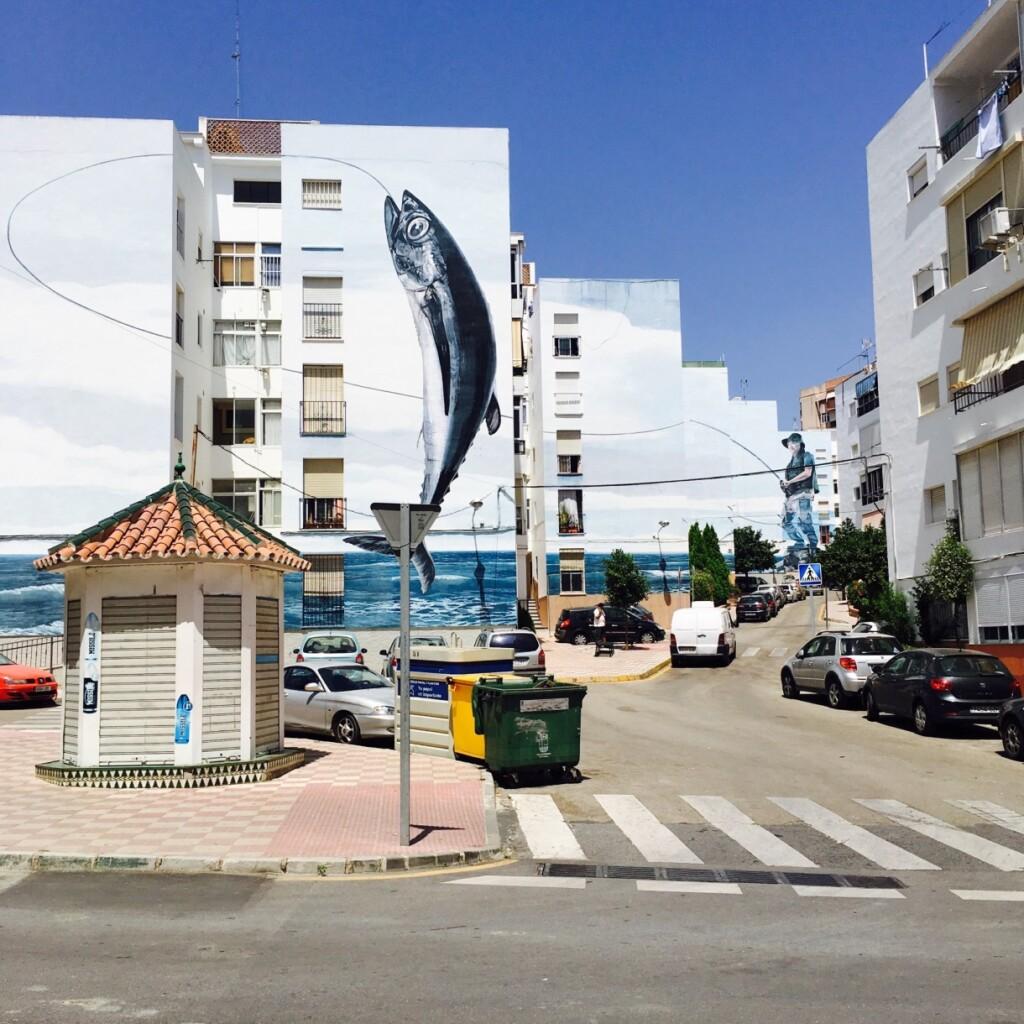 Dia de Pesca (Dzień na rybach) – mural autorstwa Jose Fernandeza Riosa, uważany za jeden znajwiększych wHiszpanii.