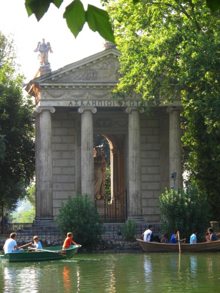 Wiosłowanie wVilla Borghese – trochę ruchu na świeżym powietrzu!