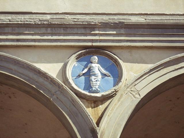 Tondo na Spedale degli innocenti we Florencji, fot. I, Sailko / Wikimedia Commons, CC BY-SA 3.0
