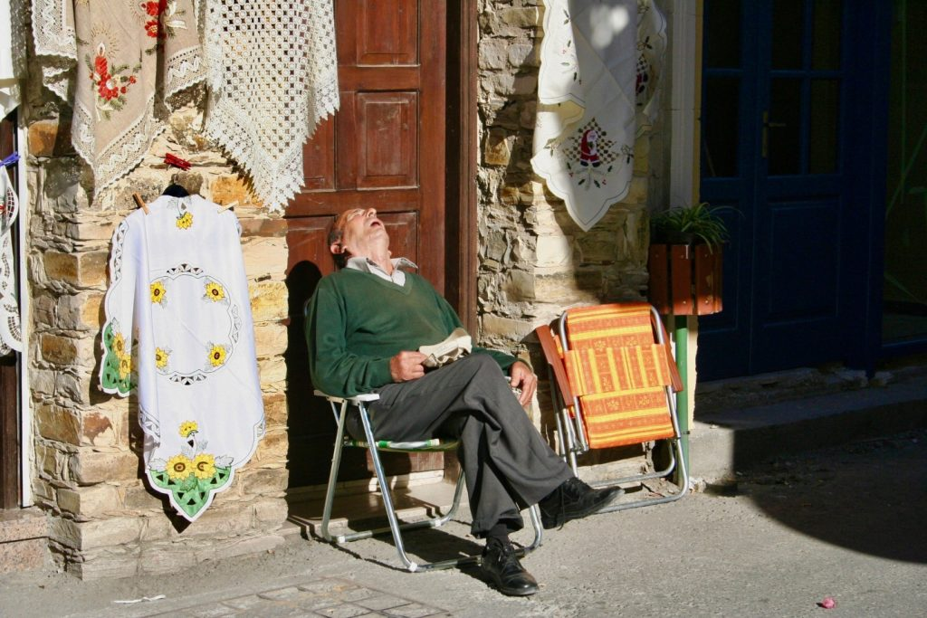 Drzemka na Cyprze, fot. Stephen Olivier / Unsplash
