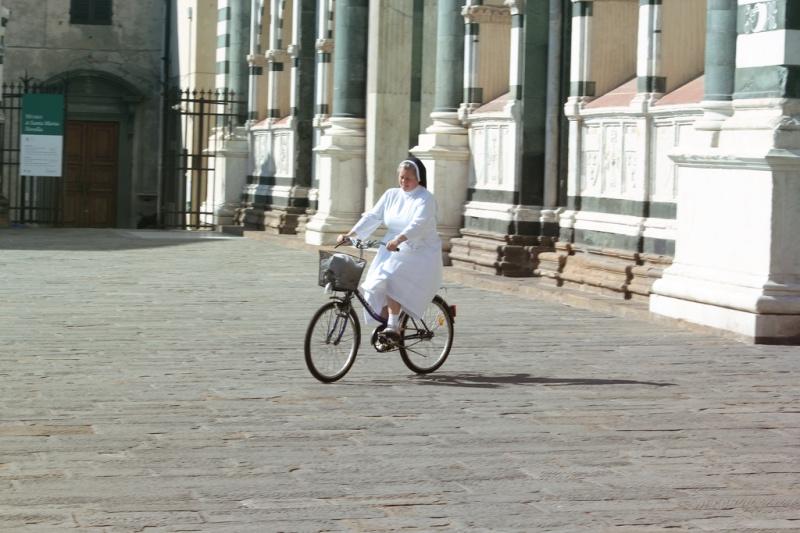 Po Florencji wygodnie poruszać się na rowerze. Fot. Photocapt / Flickr, CC BY-SA 2.0