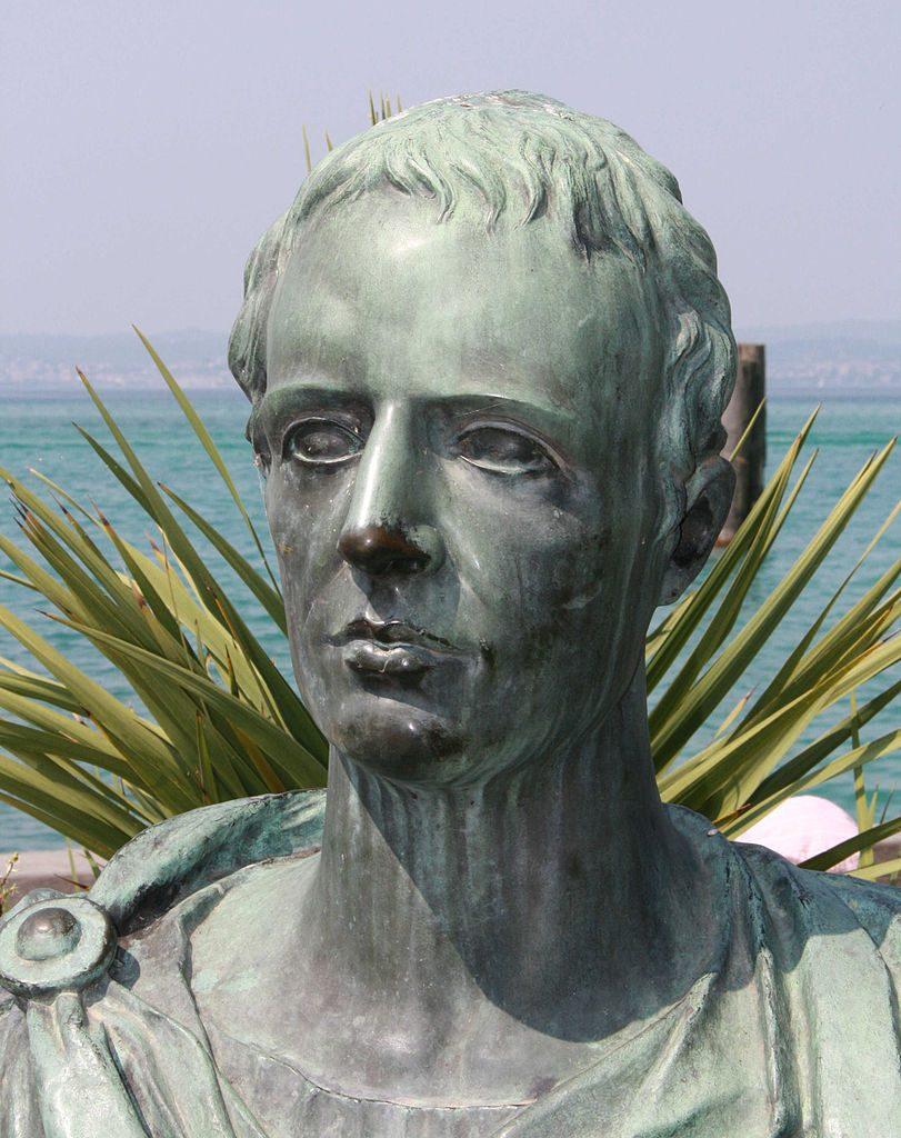 Popiersie Katulla wSirmione (rzeźba współczesna), fot. Schorle / Wikimedia Commons