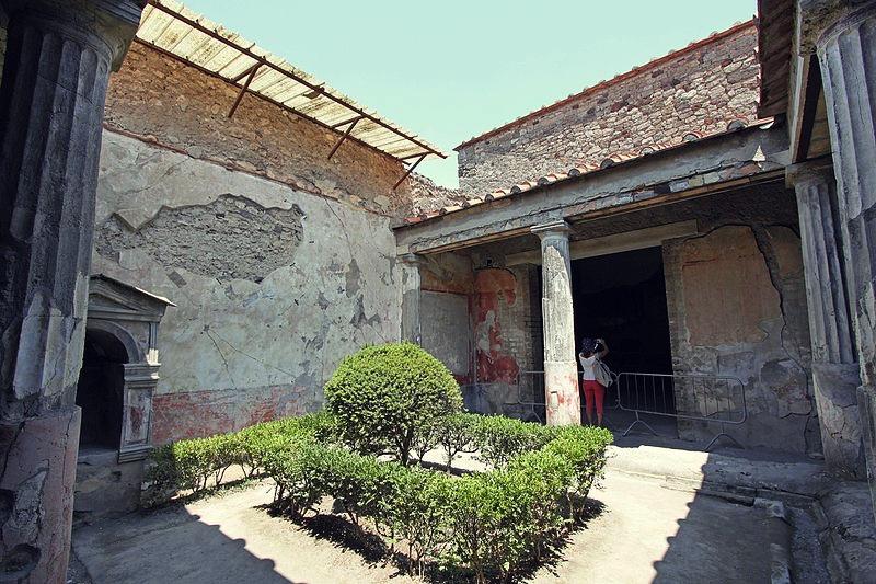 Perystyl Domu Poety Tragicznego, fot. Carlo Pelagalli / Wikimedia Commons, CC BY-SA 3.0