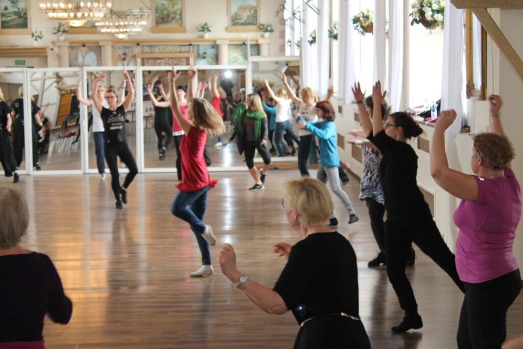 Wspólne tańce podczas edycji wroku 2016