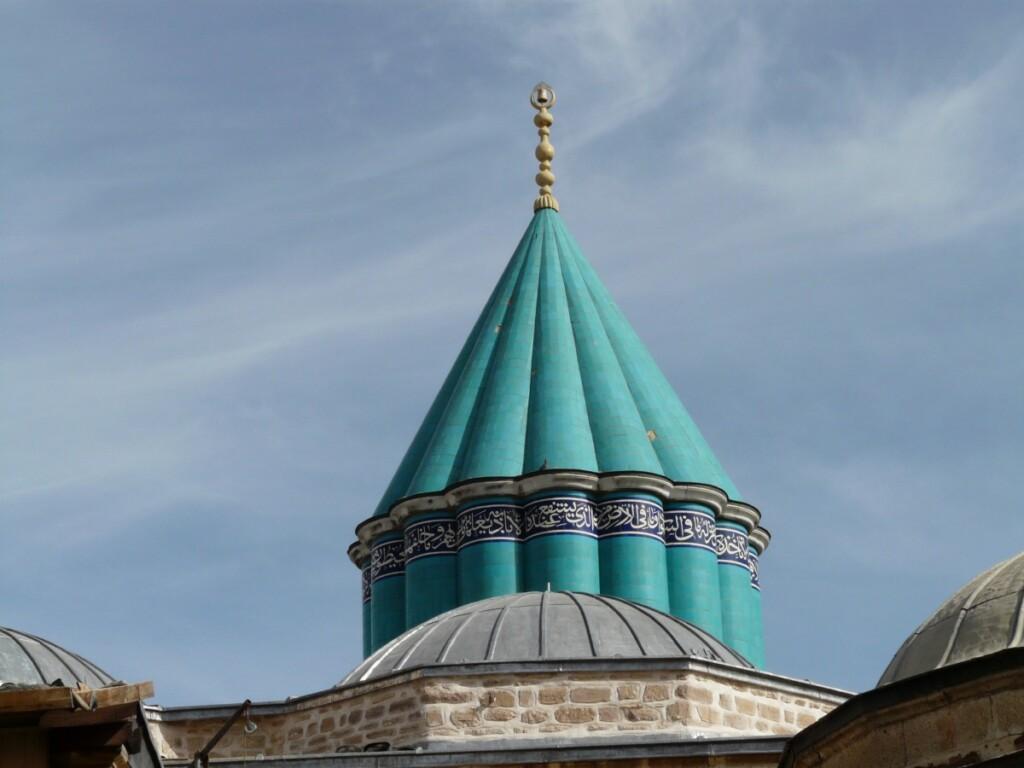 Mauzoleum Rumiego wKonyi wTurcji. Rumi był sufistą.