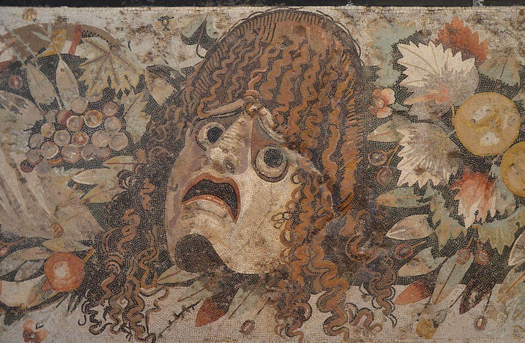 Maska tragiczna zPompejów – mozaika ze zbiorów Muzeum Archeologicznego wNeapolu, fot. Carole Raddato / Wikimedia, CC BY-SA 2.0
