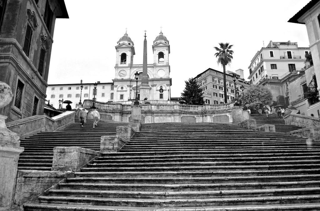 Rzadki widok na Piazza di Spagna – brak turystów. Fot. David McSpadden / Flickr, CC BY 2.0