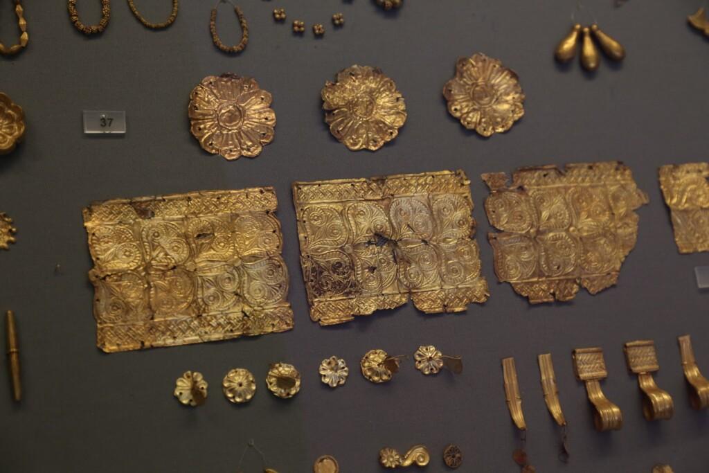 Plakietki idiademy tłoczone wzłocie, Mykeny, Muzeum Archeologiczne wAtenach | moje zdjęcie