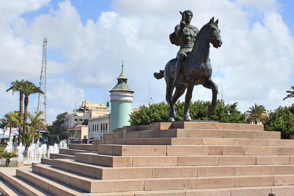Posąg Aleksandra wjego egipskim mieście, fot. Ben Snooks / Flickr, CC BY-SA 2.0