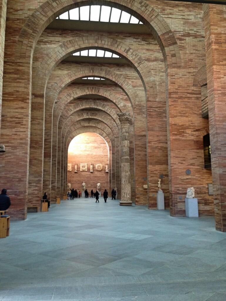 Muzeum wMeridzie cieszy zarówno pięknymi wnętrzami, jak iwspaniałymi eksponatami.