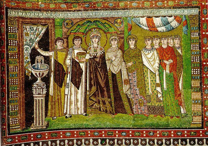 W kościele św. Witalisa (San Vitale) we włoskiej Rawennie, stanowiącym arcydzieło sztuki bizantyjskiej zVI wieku, podziwiać można wspaniałe mozaiki. Dwie znich przedstawiają jedną znajsłynniejszych par zokresu świetności cesarstwa wschodniego: Justyniana Wielkiego ijego żonę Teodorę. Justynian przedstawiony jest wtowarzystwie gwardii, Teodora zaś, jak widać powyżej, wniezwykle bogatym stroju inakryciu głowy, występuje wotoczeniu służby. Istnieje hipoteza, że Justynian nie stałby się jednym zpotężniejszych bizantyjskich władców, gdyby nie jego ambitna żona...