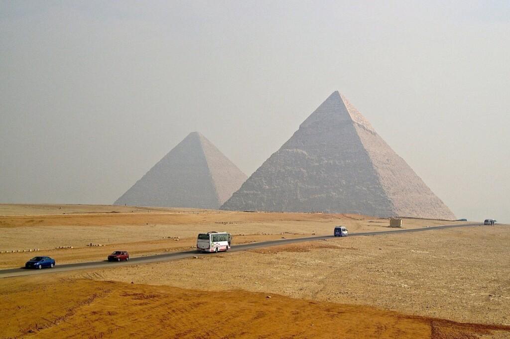 Piramidy wGizie, fot. / Flickr