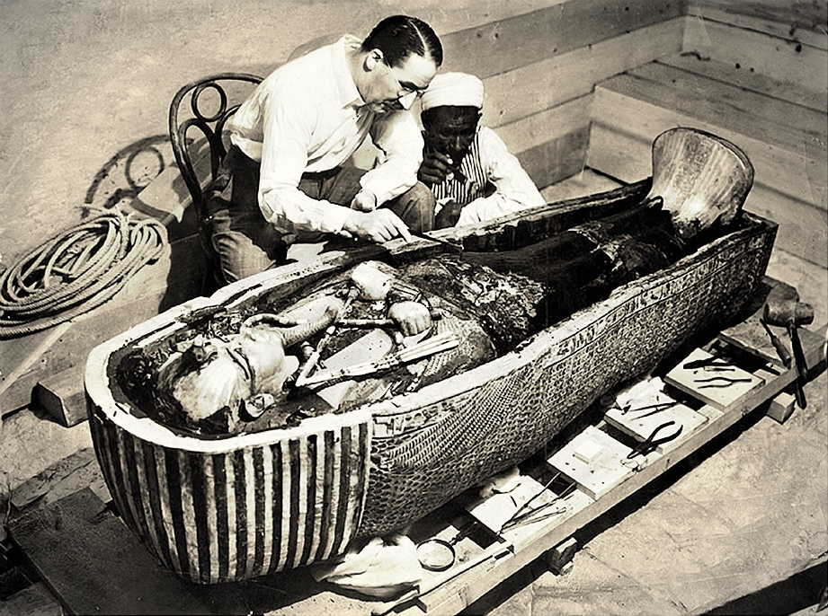 Otwarcie grobu Tutanchamona, 1922 r.