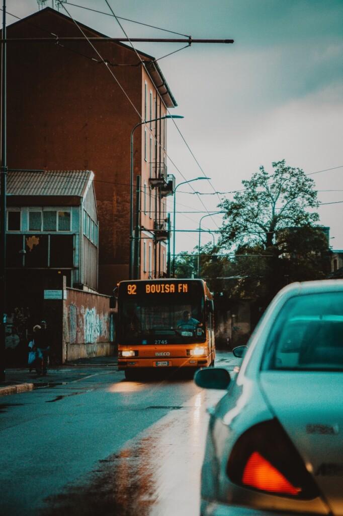 Jazda włoskim autobusem może wymagać nie lada hartu ducha, fot. Andrea Ferrario