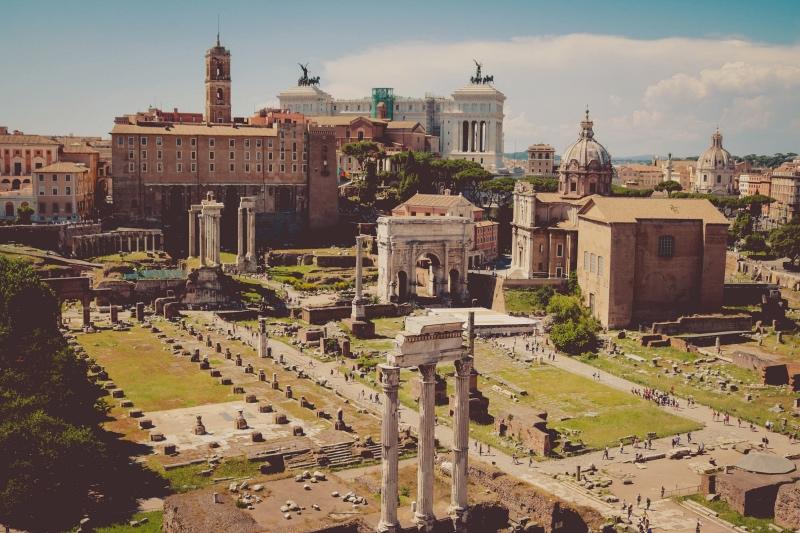 Okolice rzymskiego Forum nie są obce Mikołajowi