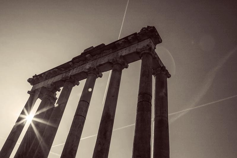 Świątynia Saturna wRzymie, fot. Bradley Weber