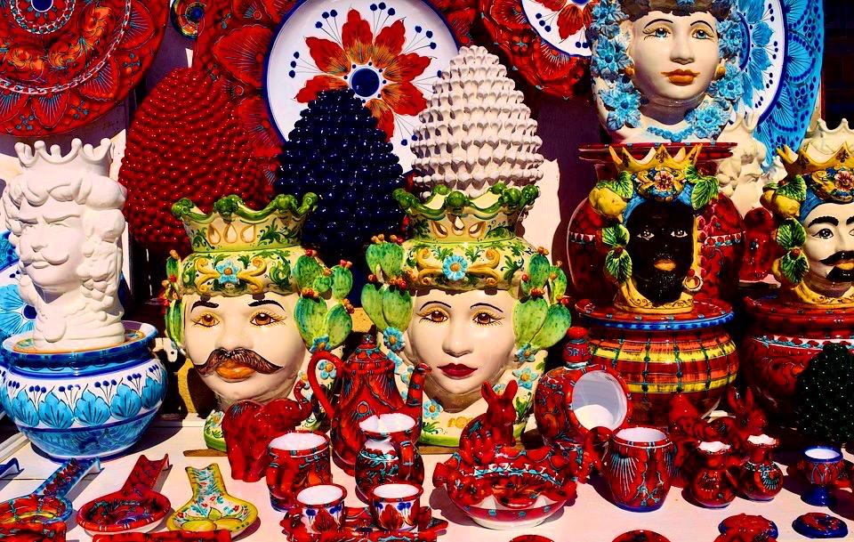 Od kolorów sycylijskiej ceramiki mogą rozboleć oczy!