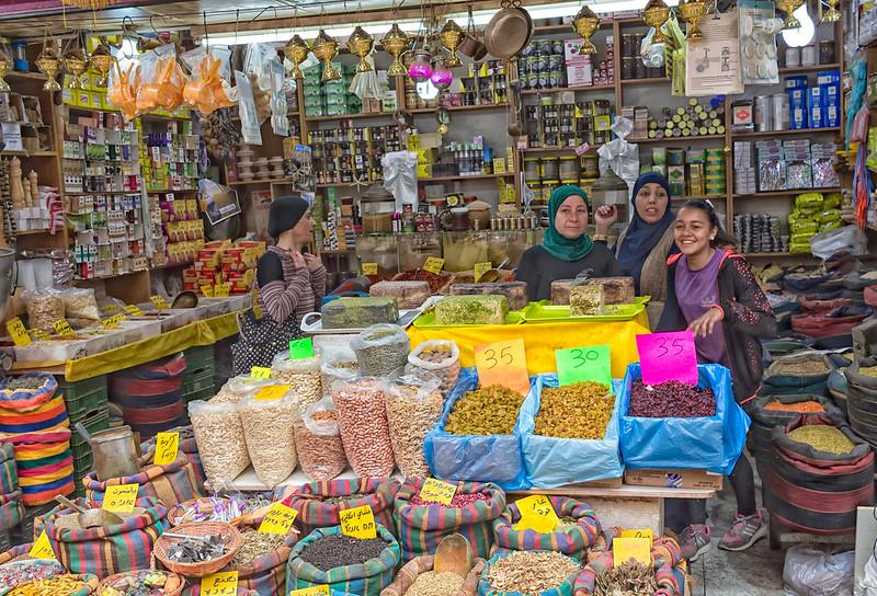 Arabskie stoisko na targowisku wAkce, fot. Ray in Manila/ Flickr,CC BY 2.0