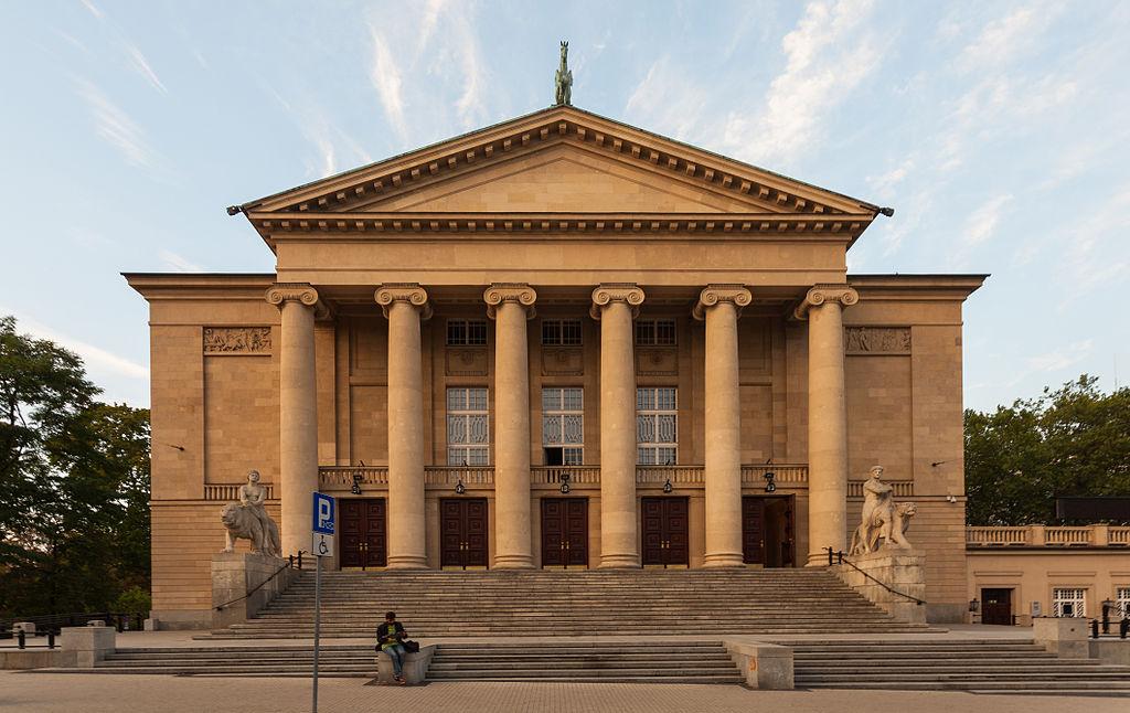 Teatr Wielki im. Stanisława Moniuszki, fot. Diego Delso / Wikimedia, CC BY-SA 4.0